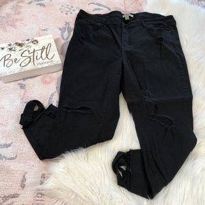 Refuge Black Skinny Jeans Ripped/Distressed, 22